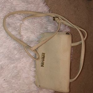 Cream white Kenneth Cole REACTION crossbody bag